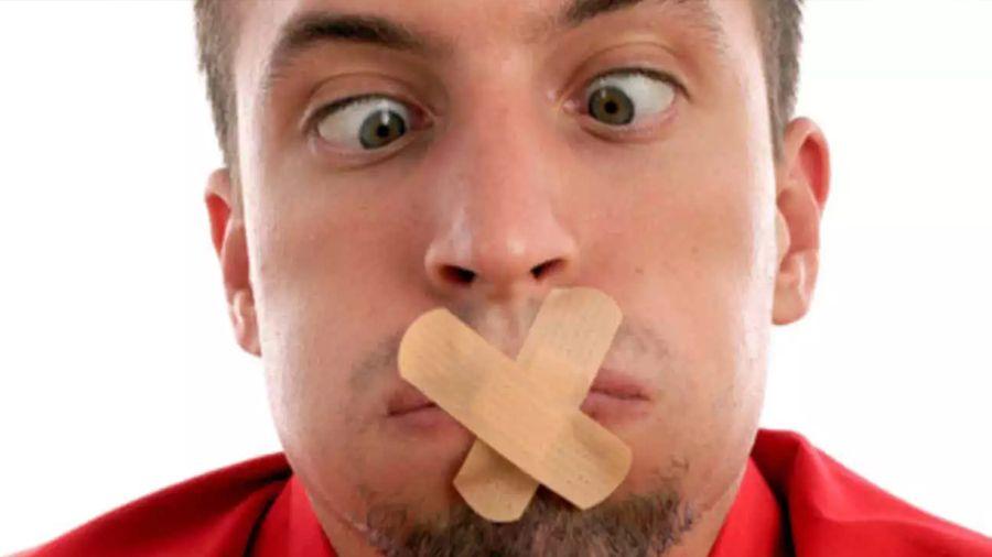 ¿Bolitas blancas en la garganta? Es el caseum que provoca tu mal aliento
