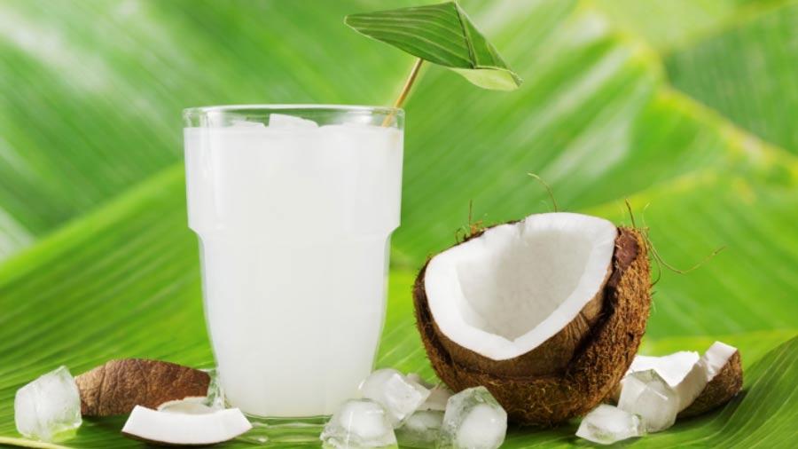 5 beneficios del agua de coco para personas con diabetes